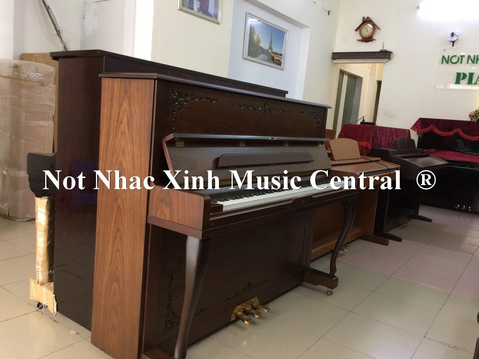 Đàn piano cơ Young Chang U-118