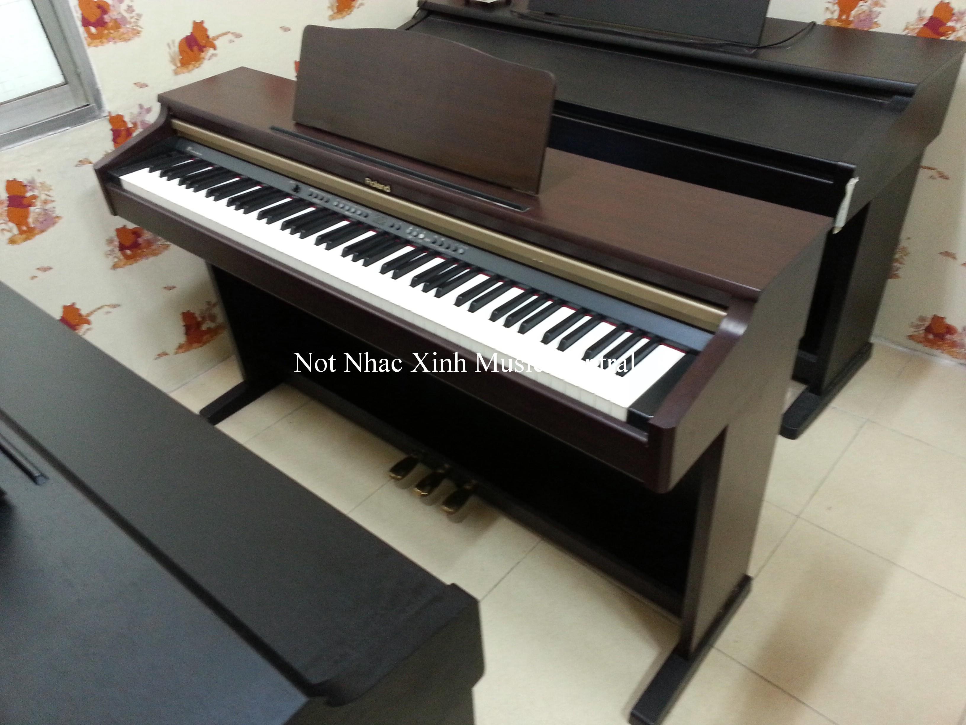 Đàn piano điện tử Roland HP-2