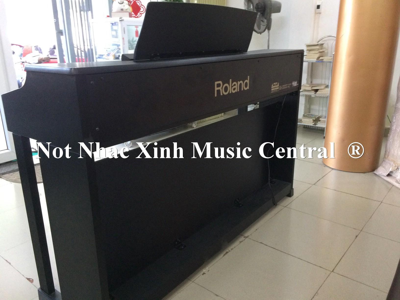Đàn piano điện tử Roland HP-205 BK