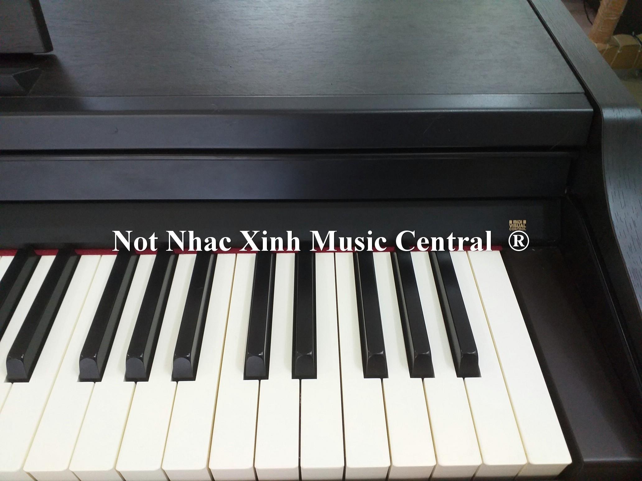 Đàn piano điện tử Roland RP-301