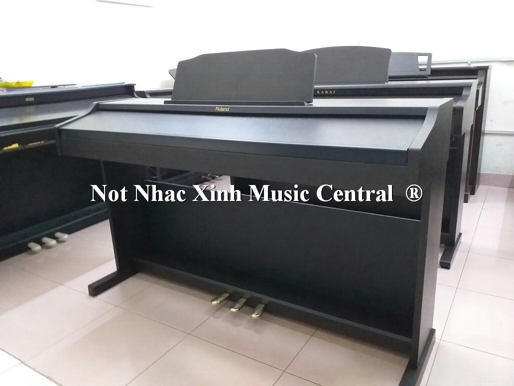 Đàn piano điện Roland RP-401R