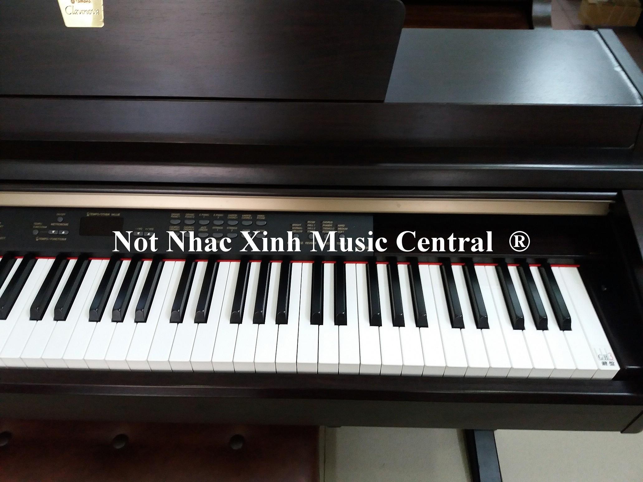 Đàn piano điện tử Yamaha CLP-230