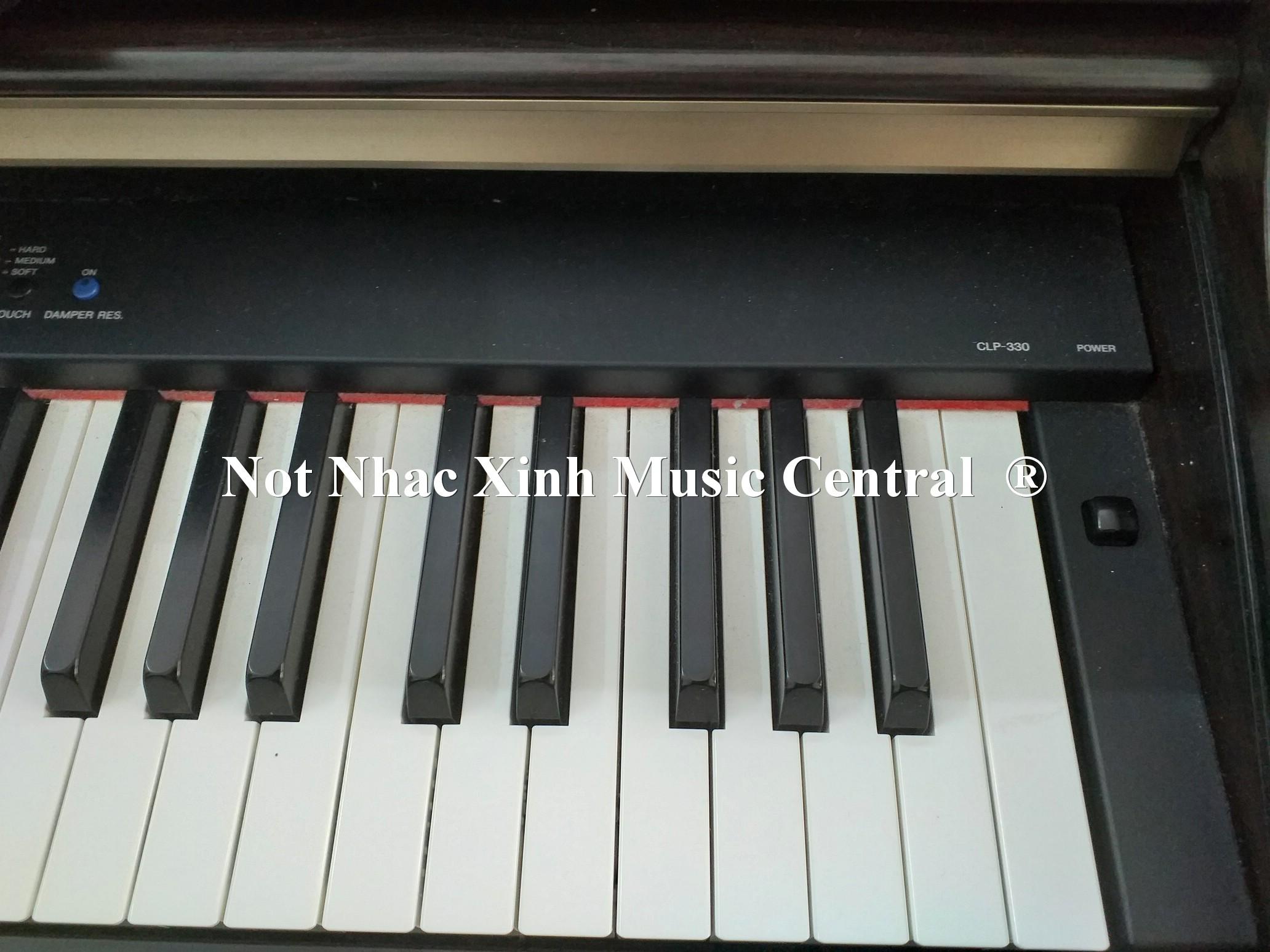 Đàn piano điện tử Yamaha CLP-330
