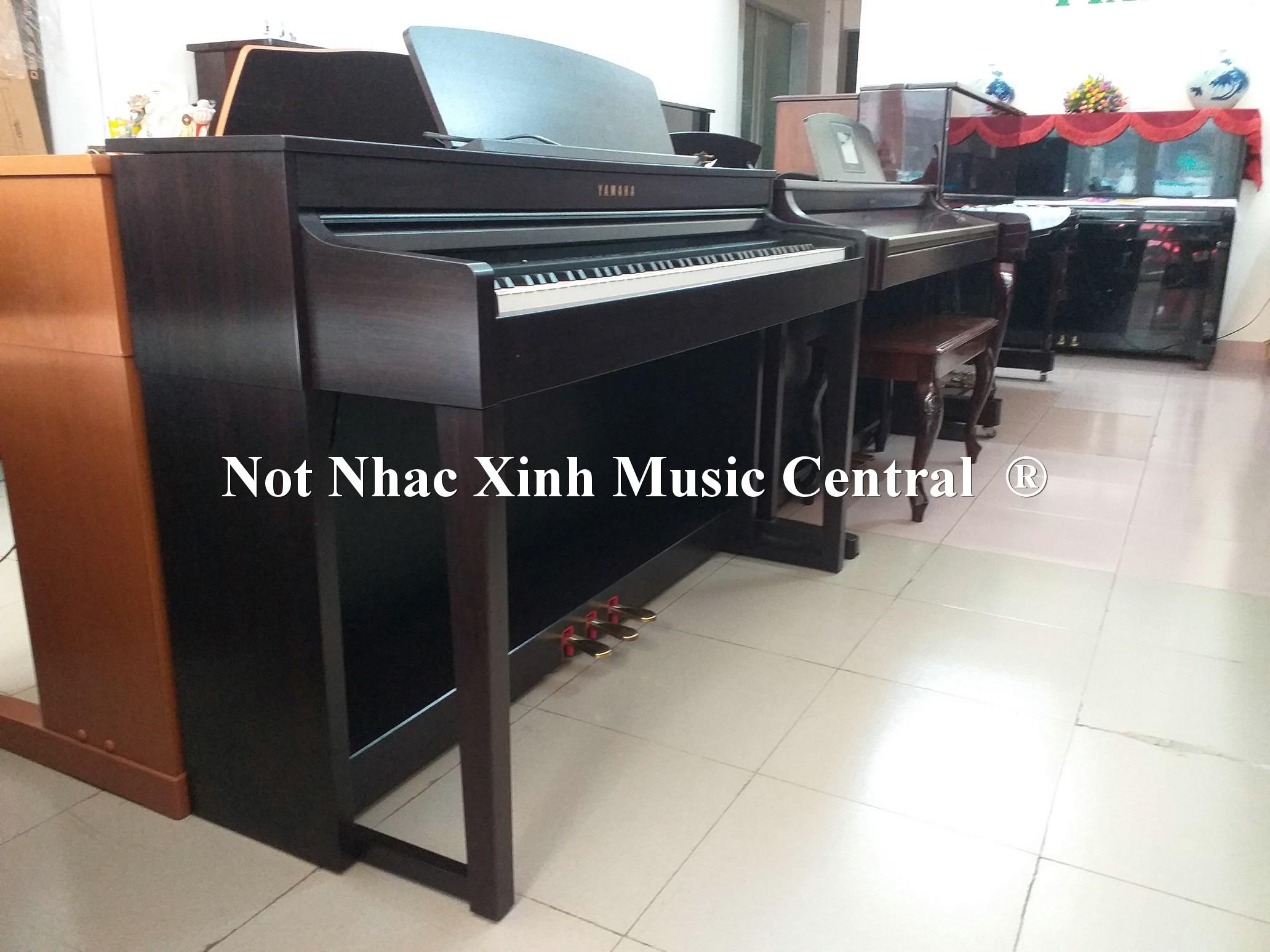 Đàn piano điện tử Yamaha CLP-440