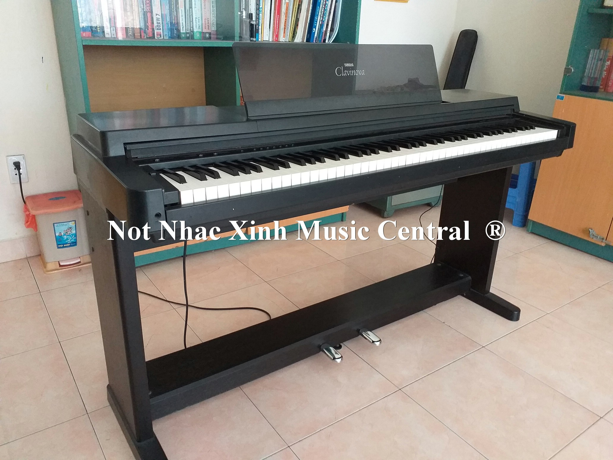 Đàn piano điện tử Yamaha CLP-550